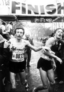 Dick+Beardsley+and+Inge+Simonsen+finish+the+London+Marathon+together.+Horace+Culter+of+the+Greater+London+council+one+of+the+men+who+made+this+race+possible+watches+on+in+the+background