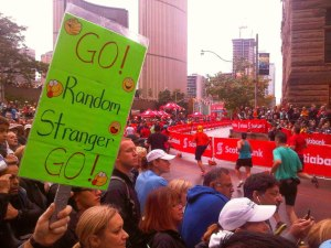 go-random-stranger-go-stwm-scotiabank-toronto-waterfront-marathon-bay-street-finish-line-sunday-october-14-2012